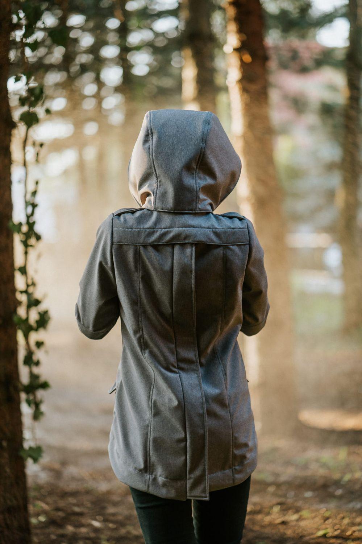 Abrigo de porteo Kavka gris