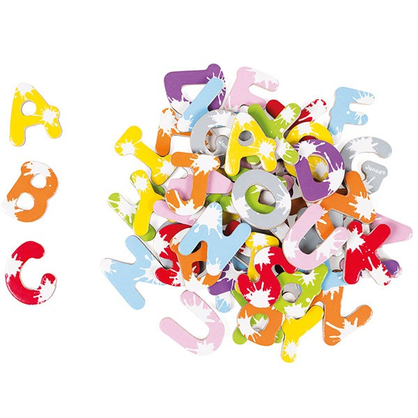 Maleta con 52 letras magnéticas
